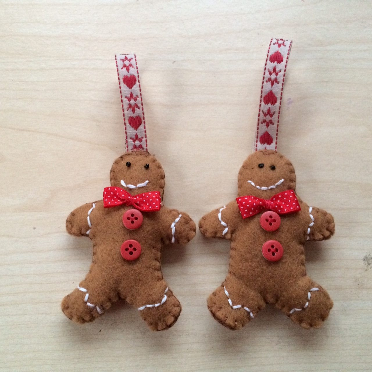 Gingerbread Men Tree Decorations made with Felt Fabric
