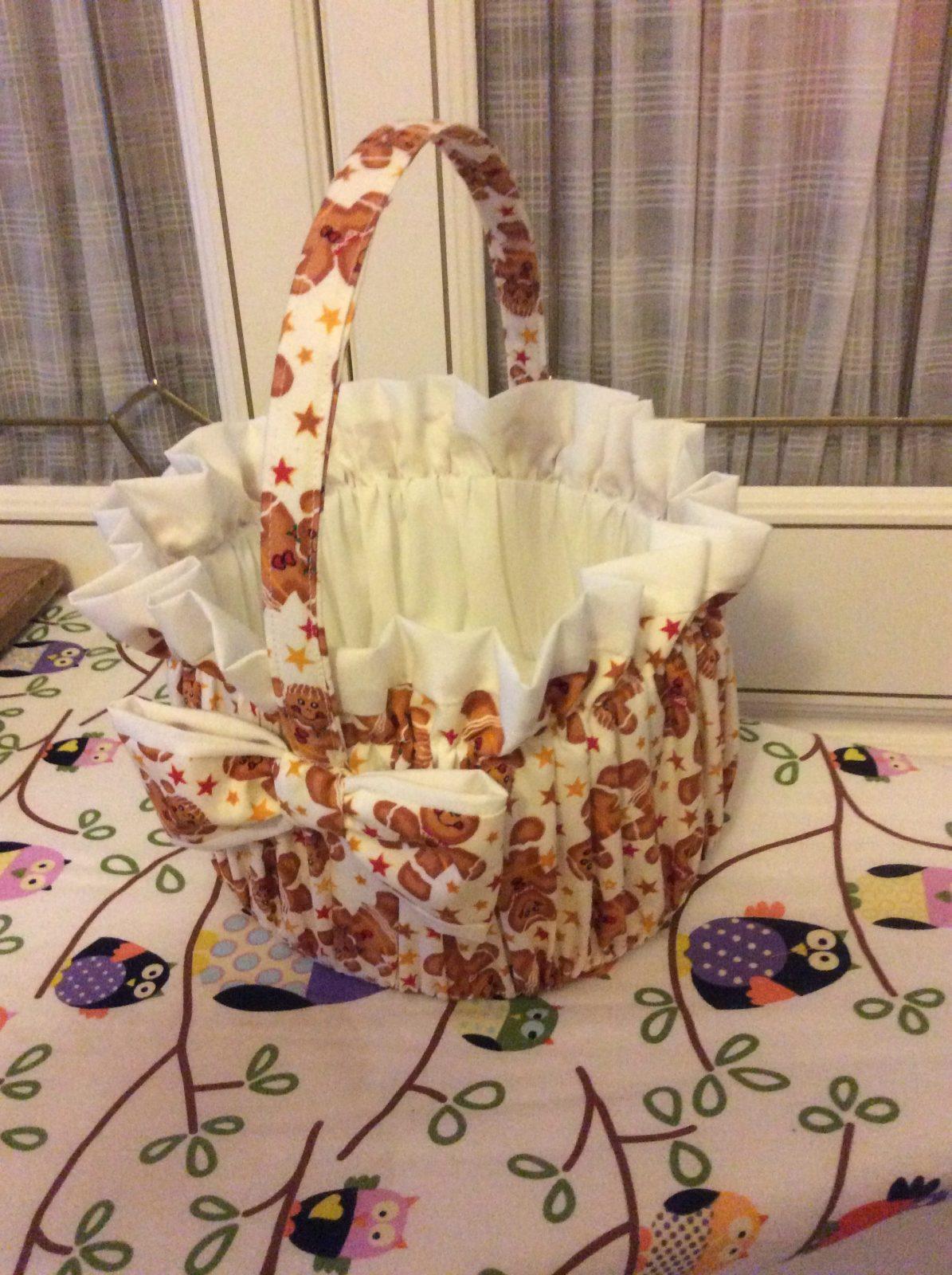 Christmas Gift Basket made with Christmas Fabrics