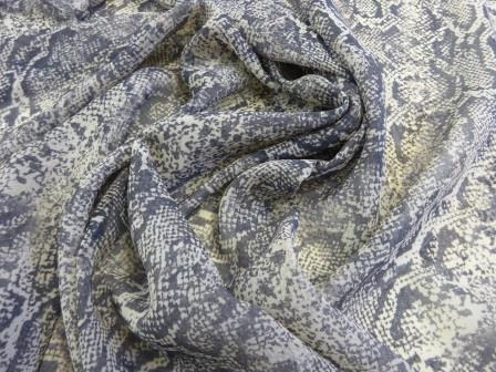 Georgette Fabric Snake Hips